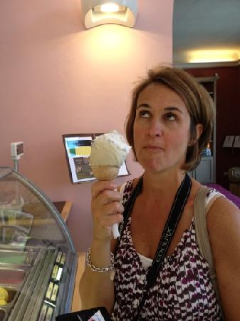 Gelateria Santa Trinita : best gelato in all of Florence. fantastic customer service as well