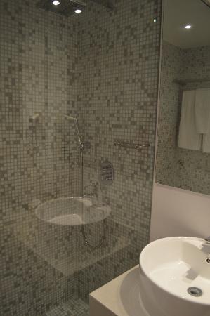 Apartamentos Bellamar: bathroom