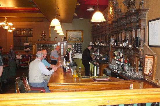 Treacy's Hotel: The main bar