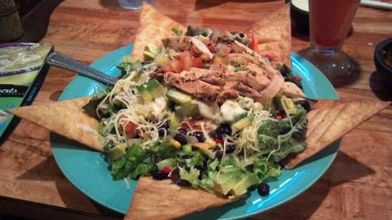 Carlos O'Kelly's Mexican Cafe: Chicken Fiesta Salad - awesome and easily enough for two people!