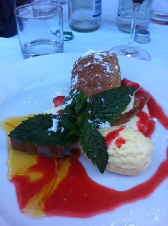 Hotel Sparerhof: Andrea's wife makes the most gorgeous desserts