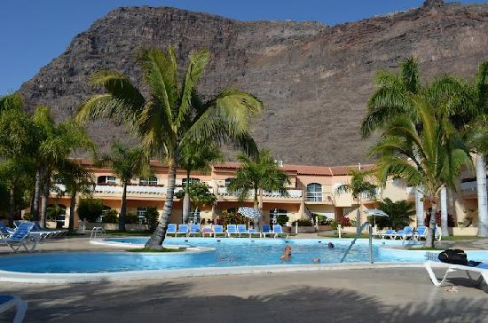Jardin del Conde: Vista de la piscina