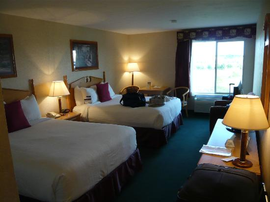 Best Western Plus Howe Inn: large room