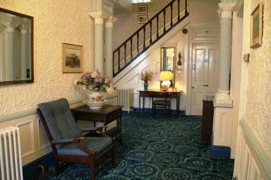 Etruria House Hotel: Entrance Hall
