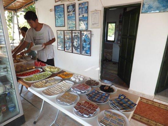 Santosa Pension: 朝食ビュッフェ 