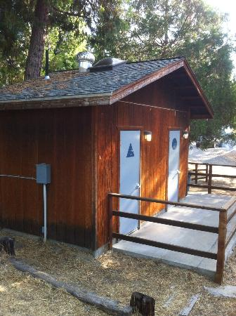High Sierra RV Park & Campground: Main Restrooms