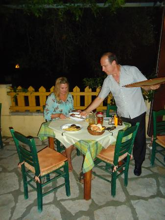 Roumeli Family Tavern: Great happy service from Vangellis