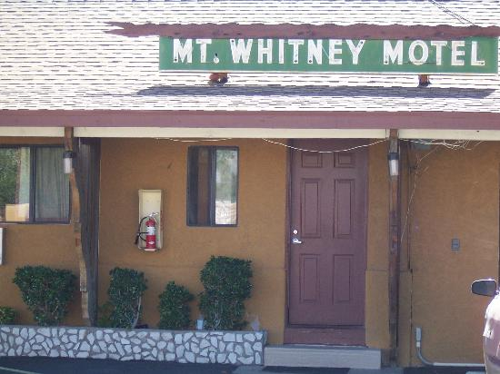 Mt. Whitney Motel: Single Story rooms