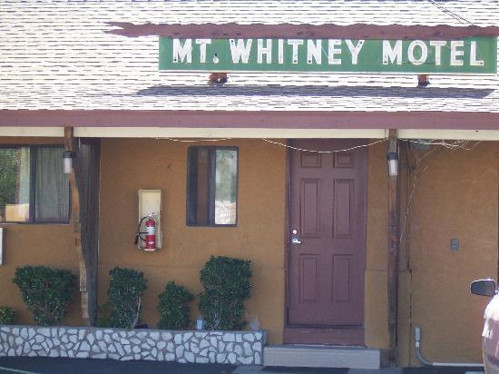 Mt. Whitney Motel : Single Story rooms