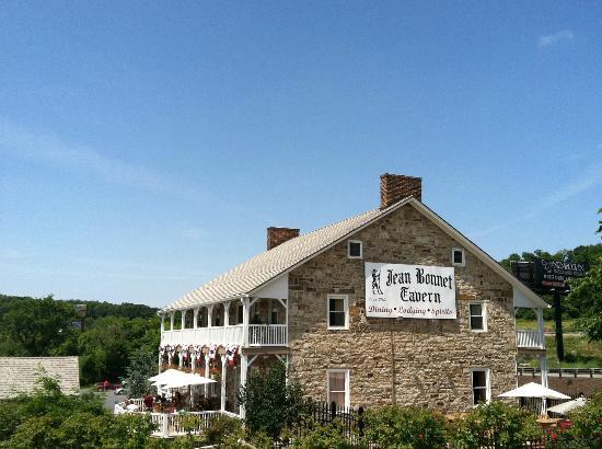 Friendship Village Campground: Jean Bonnett Tavern, close to campground