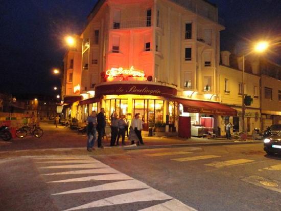 Outside le boulingrin picture of la brasserie du - Brasserie le jardin reims ...