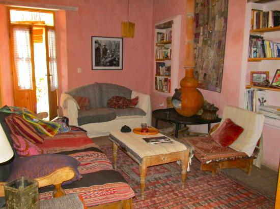 Casa Bolomchon: Living room