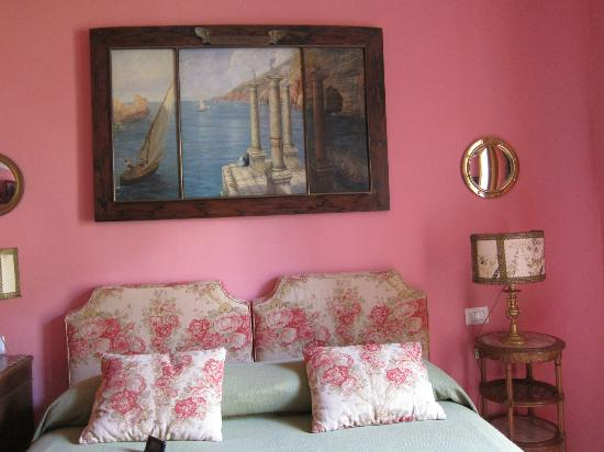 Casa Schlatter: one of the lovely bedrooms..