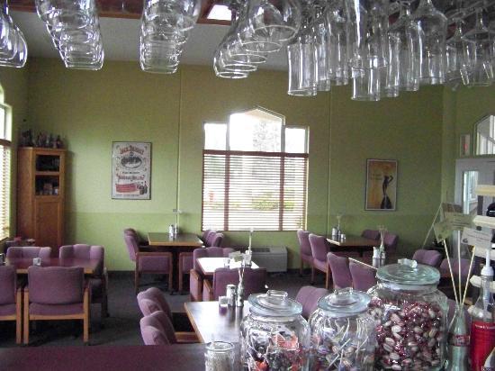 Gateway Grill: inside