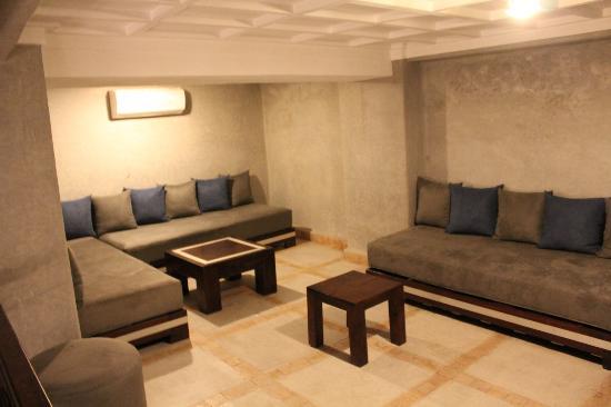 Riad Charlott': Suite Matthieu mezzanine area