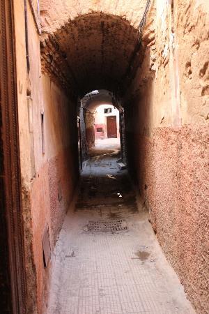 Alleyway leading to Riad Charlott'