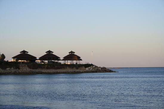 Sol Azur Beach Hotel: View from beach