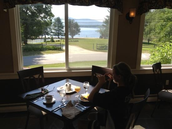 Inn at Pleasant Lake: nice view from breakfast table