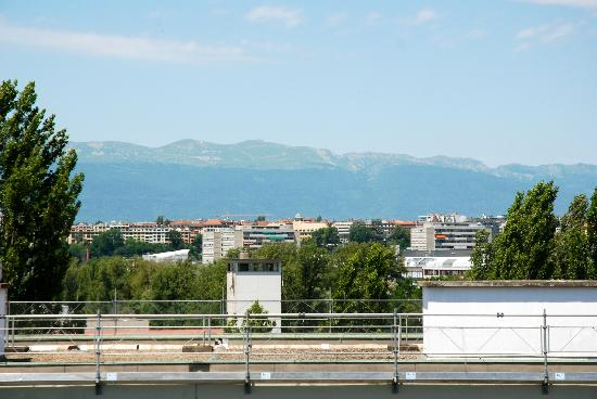 Starling Residence Geneve: view from the window