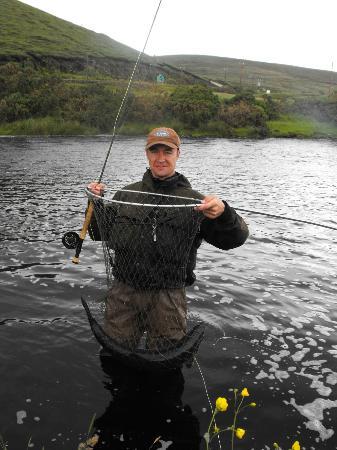 Hillcrest House: Un superbe saumon (14,5 lbs) sur la rivière Owenmore