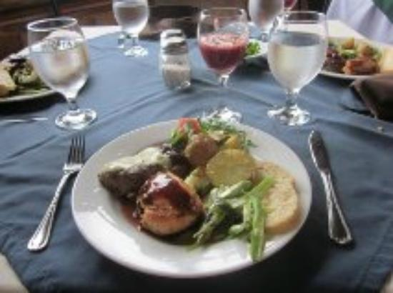 Boquete Tree Trek Restaurant: $15 including dessert and unlimited Sangria