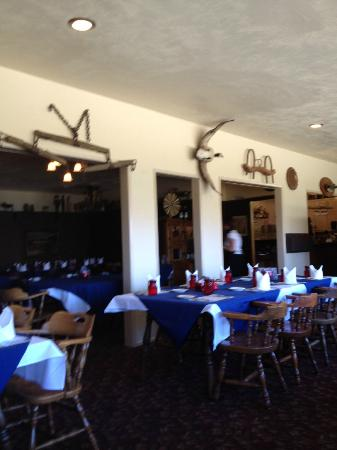 Paradise Cove Lodge: Dining Room