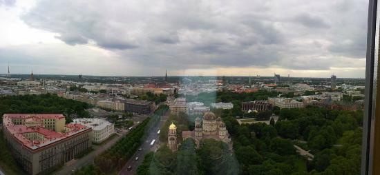 Radisson Blu Latvija Conference & Spa Hotel: View from 21'th floor on the old part of town