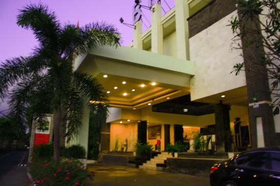 Bali Kuta Resort & Convention Center: Outside-1