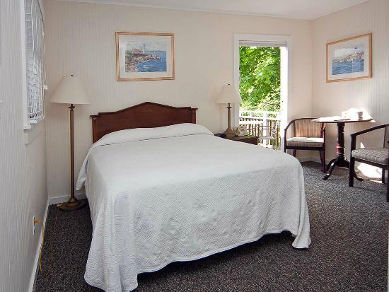 Sea Lion Motel: Deluxe Queen with private balcony