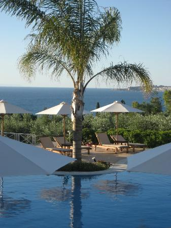 Colonides Beach Hotel: swimming pool