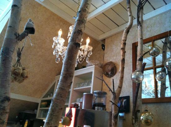 Leonhard's Cafe & Restaurant: Birches Inside