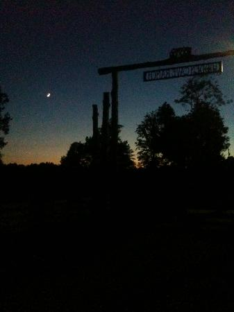The Hidden Cave Ranch Bed & Breakfast: Beautiful crescent moon