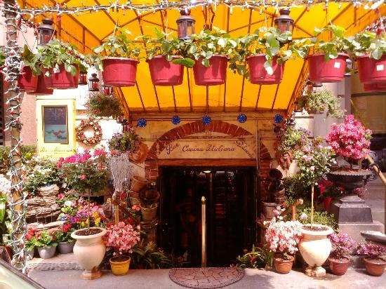 Da Marino Restaurant: Entrance