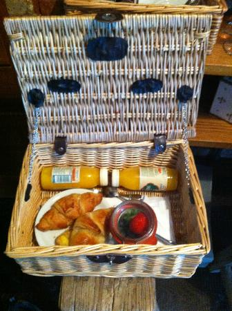 Rocksalt Rooms: Your hand delivered complimentary breakfast