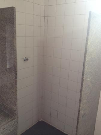 Martin Pescador: banheiro