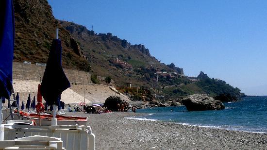 Hotel Baia Taormina: la spiaggia attrezzata