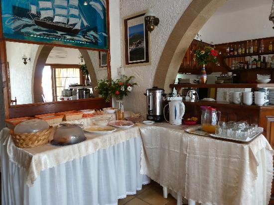 Captain's House Hotel: Le buffet du petit déjeuner
