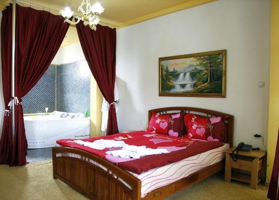 Hotel Xhema