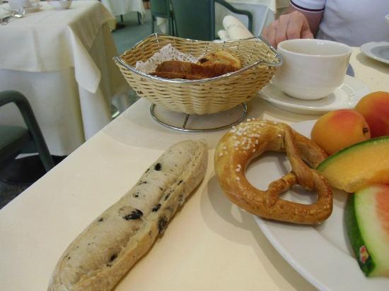 Hotel A la Cour d'Alsace : petit déjeuner