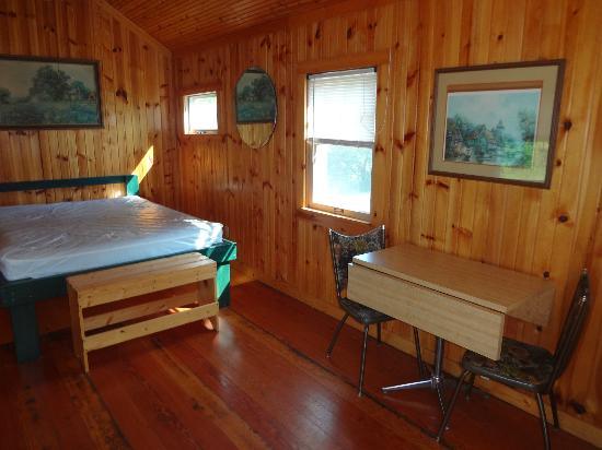 Palace Campground: Inside View of Cabin_2