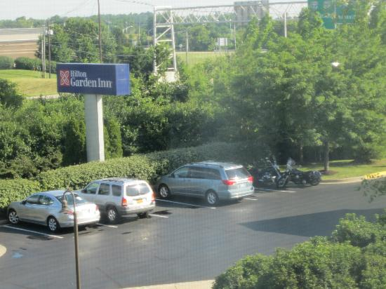 Hilton Garden Inn Lexington: Front parking lot