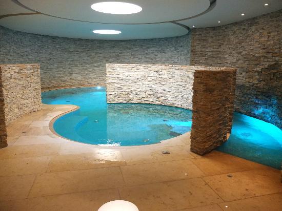 Castel Monastero: Pool