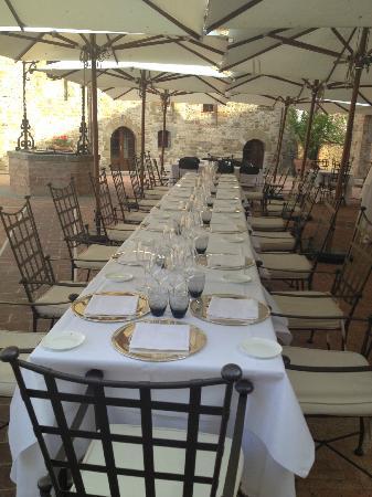 Castel Monastero: Dining
