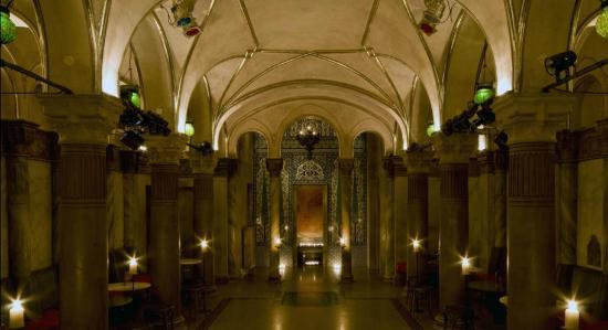 Kaiserbruendl Herrensauna: Salle principale