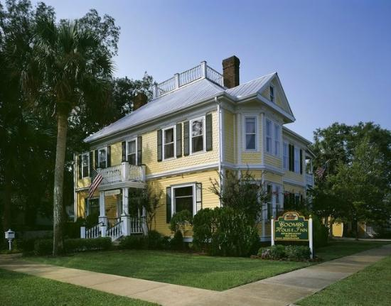 Coombs House Inn: The Original 1905 Coombs Mansion