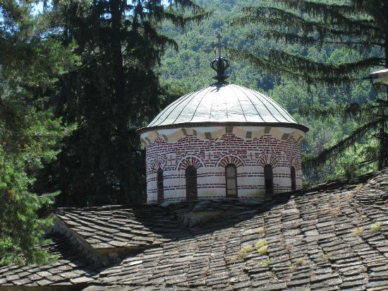 Troyan Monastery: coupole