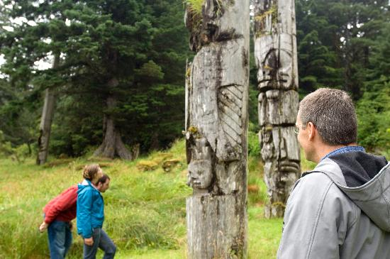 Haida Gwaii (Queen Charlotte Islands), Canada: Haida Heritage Centre at Kaay Llnagaay