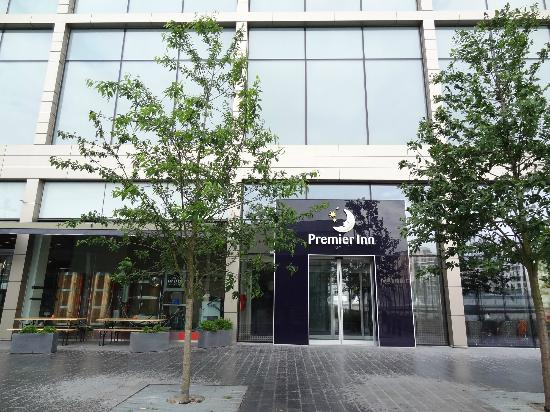 Chambre picture of premier inn london stratford hotel for Chambre london