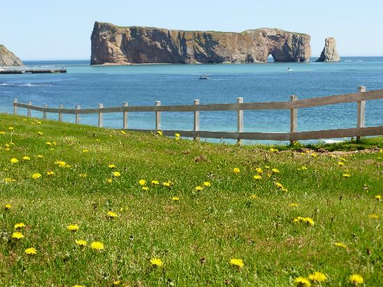 Riotel Perce: Vista desde el jardín