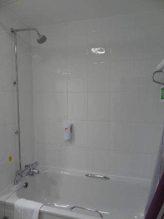 Premier Inn London Stratford Hotel: Salle de bain